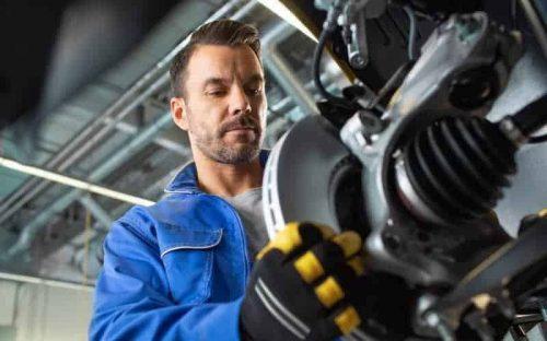 Bremsen-Service: Erneuerung von Bremsscheiben und -Belägen: Bremsentest kostenfrei